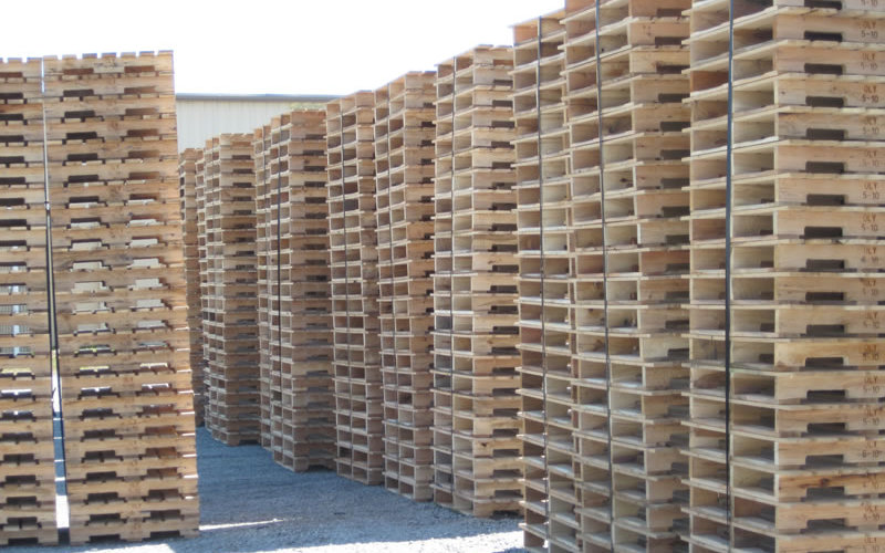 Safe storage of pallets and bins