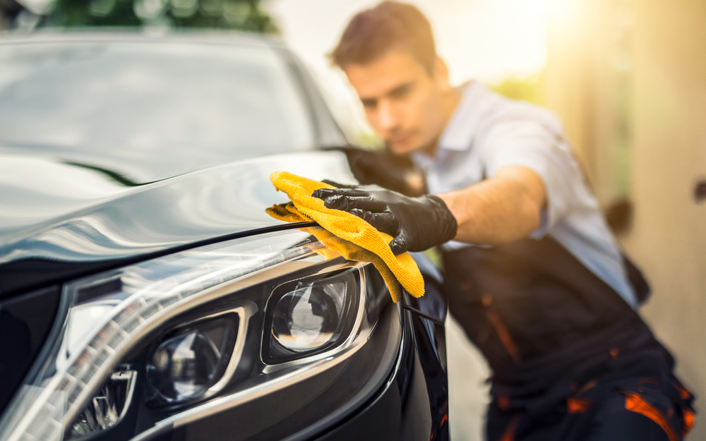 Cleaning Tools Every Car Owner Needs to Look Like a Pro