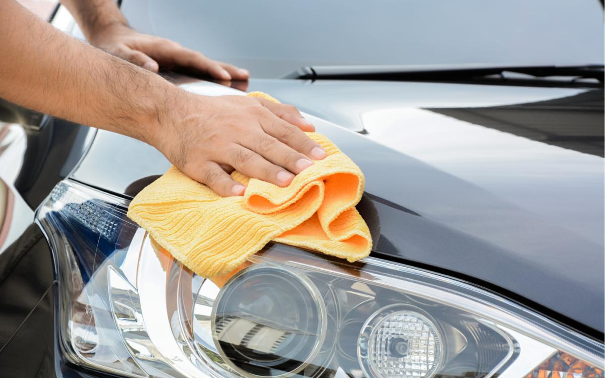 12 essentials for your mobile DIY car detailing kit
