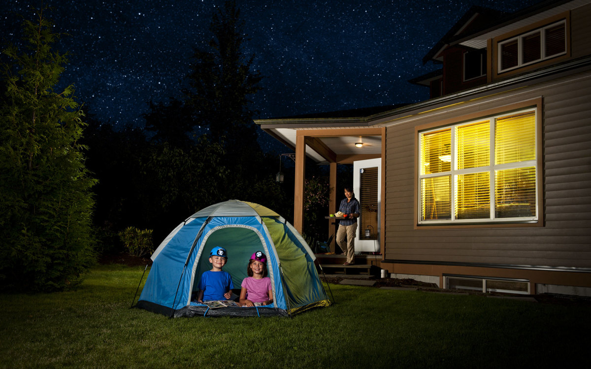 12 TIPS FOR AN EPIC BACKYARD CAMPOUT WITH KIDS